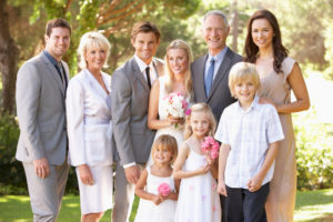 家族のみの結婚式とは?その人気はどこにある?