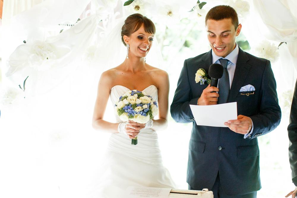 意外と多い 結婚式ではどんな挨拶があるの 元プランナーの取材