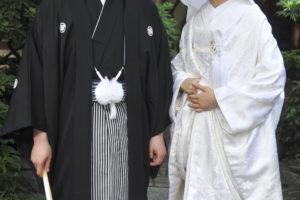 結婚式の花嫁だけが着られる和装!色打掛の基礎知識と選び方
