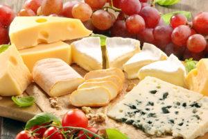 馴染みがあるからこその意外性。結婚式にチーズやフロマージュのサプライズ
