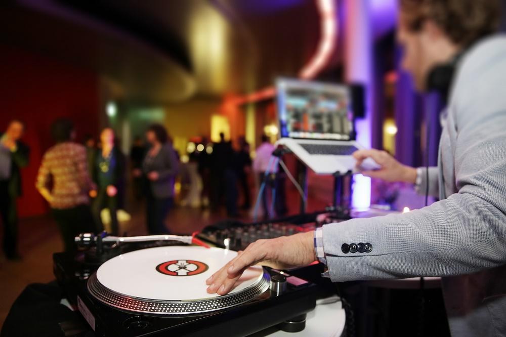 Plattenspieler,Disjockey,DJ,Tanzflche