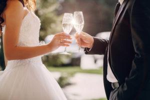 ウエディングの乾杯酒・シャンパンにストーリー性があったなら 翌年も、その次も、そのまた次の年もアニバーサリーに開けたくなる