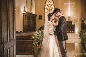 いま再び注目が集まる教会挙式。新郎新婦と家族、ゲストのつながりを大切にする教会も