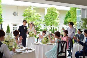 結婚式に招待するゲストを決めるのに一苦労…この悩みどうにかしたい!そんな時の対処法