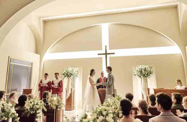 【結婚式の費用の秘密!シリーズ2】教会式と人前式では金額にも差がある?!