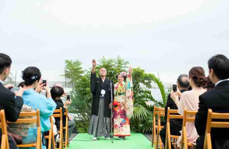 人の心も開放的に。青空ウエディングが叶える自然な笑顔があふれる結婚式