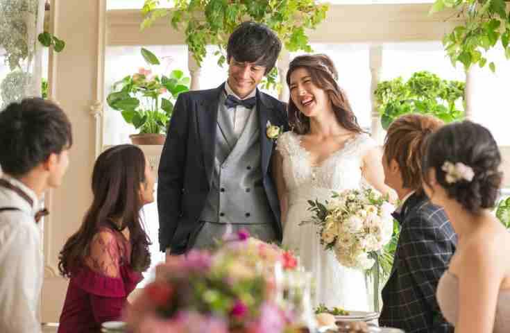 結婚式の1.5次会。料理のスタイルや会費の相場、演出の選び方について