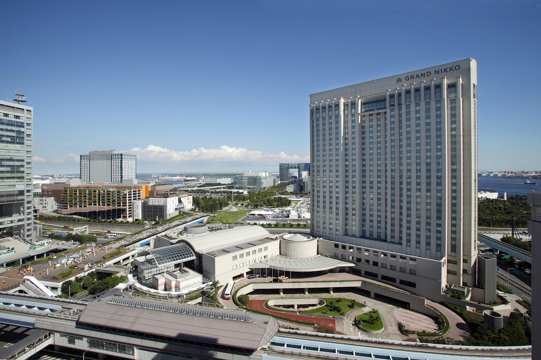ホテル全景(昼)