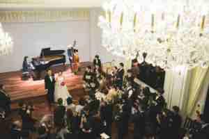 音楽好きにたまらない!世界最高峰の楽器演奏が楽しめる結婚式場を発見