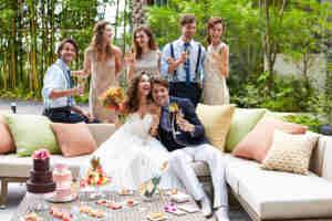 少人数でも理想は叶う!アットホームな結婚式を実現させるコツとは?