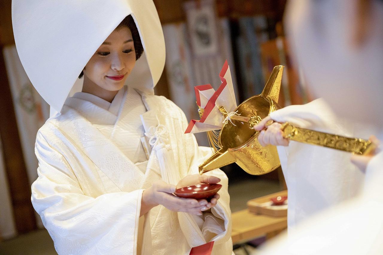 日本流クラシカルウエディング。神前式の魅力を、今、あらためて|東京大神宮マツヤサロン 取材記事